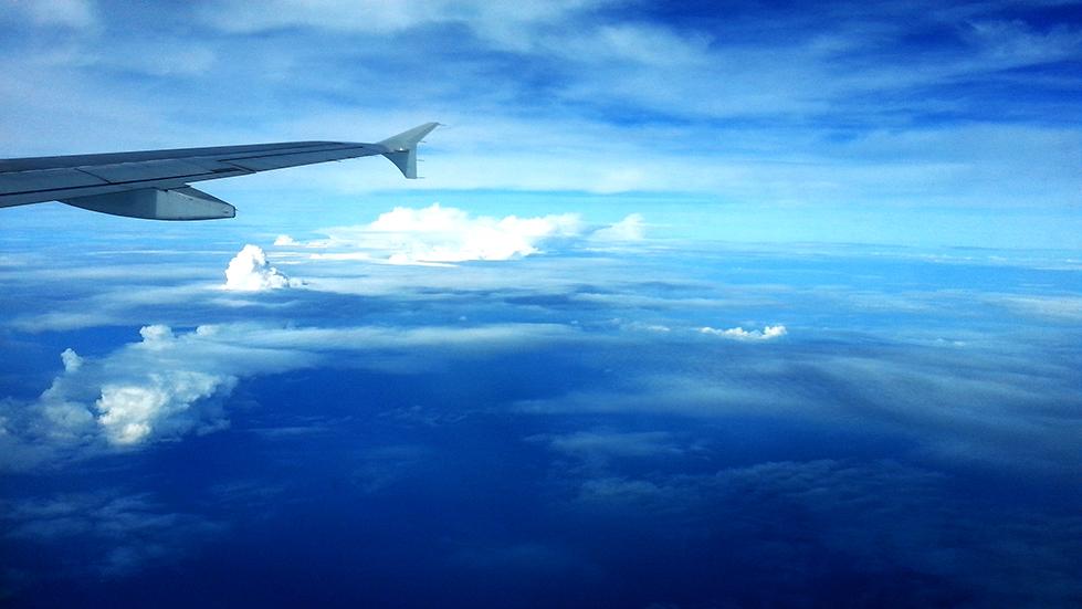 Beschäftigungen und Tipps gegen Langeweile im Flugzeug auf langen Flügen
